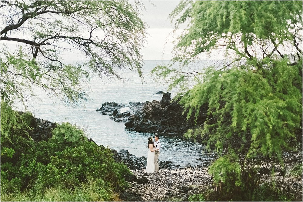 angie-diaz-photography-maui-destination-wedding-kukahiko-estate_0048